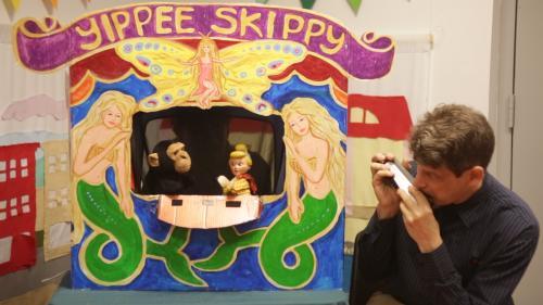 Book&PuppetShow
